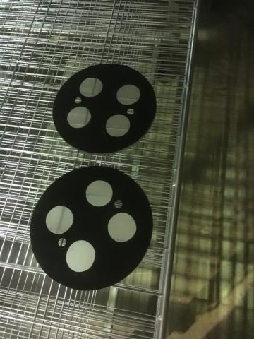 Den danske glasspecialist Mirit Glas A/S har udviklet glasset til kameraet.