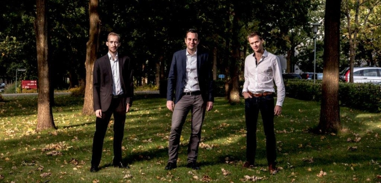 Cphnano fra venstre: Thomas Tølbøl Sørensen (ingeniør), Emil Højlund-Nielsen (CEO, ph.dd) og Kristian Tølbøl Sørensen (CTO).